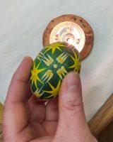 Мастер-класс к Пасхе по окрашиванию яиц с использованием воска. Традиционная техника: двухцветная писанка